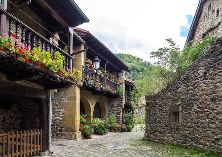Barcena Mayor, Cabuerniga valley, with typical stone houses is one of the most beautiful rural village in Cantabria, Spain. Stockfoto