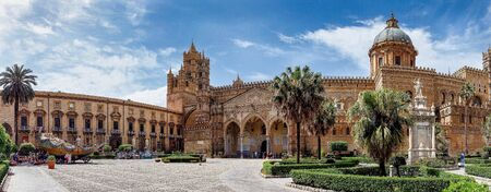 The Cathedral of Palermo is an architectural complex in Palermo, Sicily, Italy. The church was erected in 1185 by Walter Ophamil, the Anglo-Norman archbishop of Palermo and King William IIs minister Reklamní fotografie
