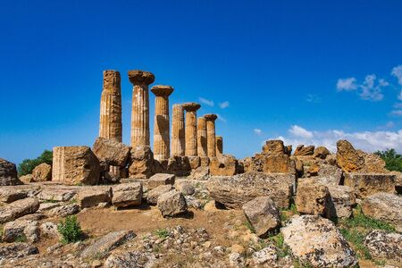 Valley of Temples, Agrigento Sicily in Italy. Famous ancient greek temples of Agrigento, Sicily on a warm autumn day. Mediterranean atmosphere Banco de Imagens