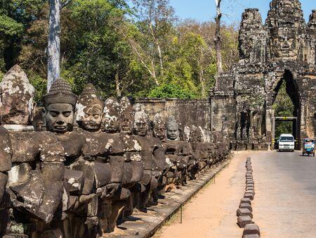 South gate to angkor thom in Cambodia, Asia 版權商用圖片