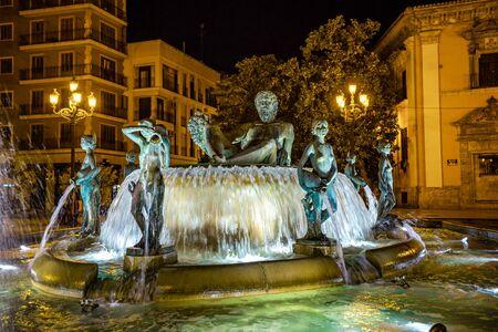 Turia Fountain on Square of the Virgin Saint Mary, Valencia, Spain. 版權商用圖片