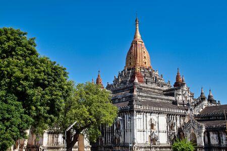 Ananda Buddhist Temple built by King Kyansittha in 1105. Bagan archaeological zone, Myanmar former Burma Reklamní fotografie