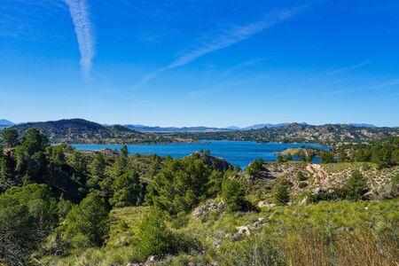 The Pantano Embalse de Alfonso XIII reservoir near Calasparra, Region of Murcia. Spain. River Segura. Stockfoto - 143219041