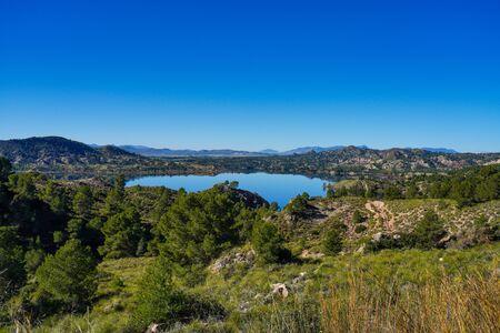 The Pantano Embalse de Alfonso XIII reservoir near Calasparra, Region of Murcia. Spain. River Segura. Stockfoto - 143218221