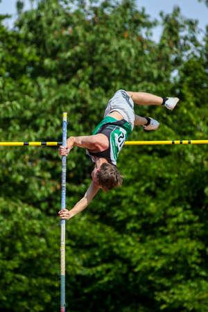 Regensburg, Germany - July 20, 2019: bavarian athletics championship pole vault event Stockfoto - 146911714