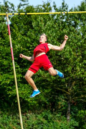 Regensburg, Germany - July 20, 2019: bavarian athletics championship pole vault event Stockfoto - 146911718