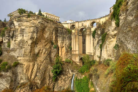 The Puente Nuevo, New bridge in Ronda, Spain spans the 120m deep chasm which divides the city. Province of Malaga, Spain Standard-Bild