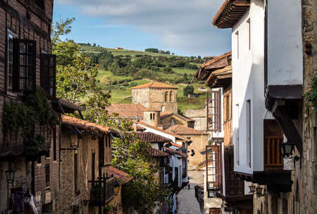Santillana del Mar town with a historical-artistic value, together with the natural enclave in Cantabria, Santander, Spain Zdjęcie Seryjne