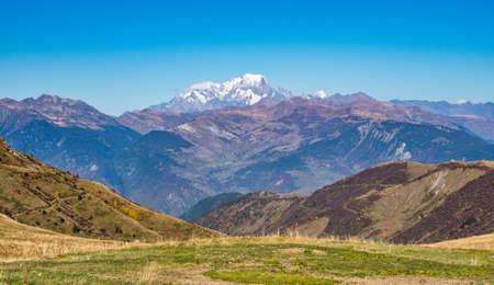 Col de la Madeleine at 2000 m altitude in the Rhone alps, France 免版税图像
