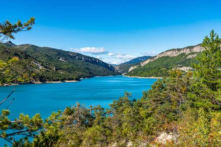 Scenic view of Lac de Castillon near Verdon River and Gorge, Saint-Julien-du-Verdon, Provence, France Stockfoto