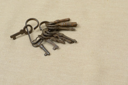 a bunch of old keys in the form of heart