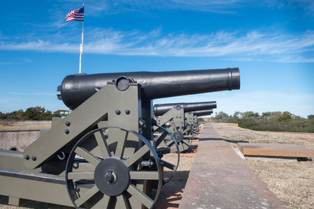 Cannons at the Old Civil War Fort Macom in North Carolina. This Fort was Designed by General Robert E. Lee Фото со стока - 99492516