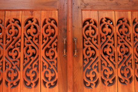 Old wood door Stock Photo - 18154482
