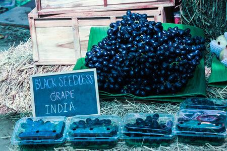 seedless: black seedless grape india Stock Photo