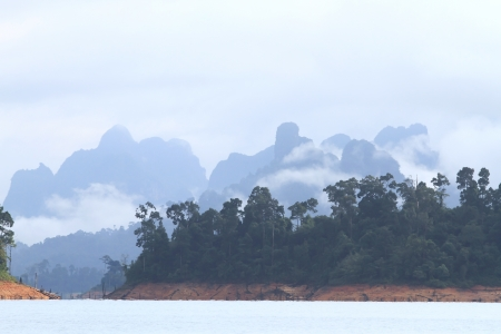 Khao-Sok, the popular national park of Thailand Stock Photo - 13731502