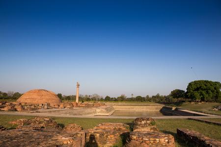 ashoka: Ananda Stupa and Ashoka pillar at Kutagarasala Vihara, Vaishali, Bihar, India