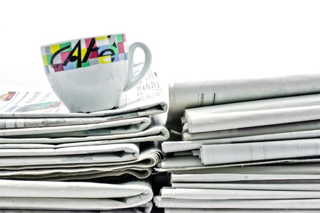 newspaper and caffee Standard-Bild