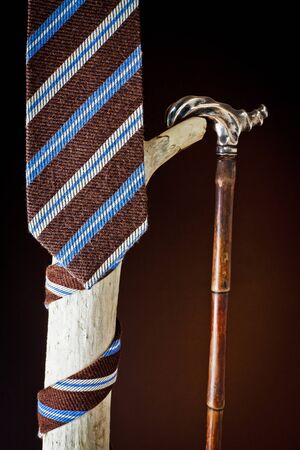 cane collars: cravat and stick to old age