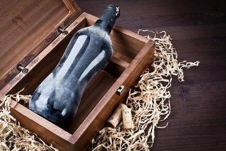 old bottle of wine Stock Photo - 13523352