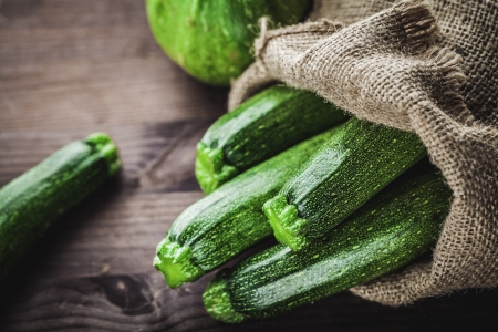 courgettes: zucchini in sack