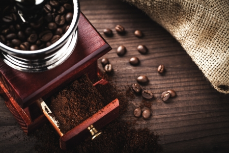 coffee grinder and beans Stock Photo - 16587536