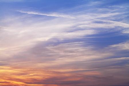 Puesta del sol cielo y las nubes colores Foto de archivo - 50000274