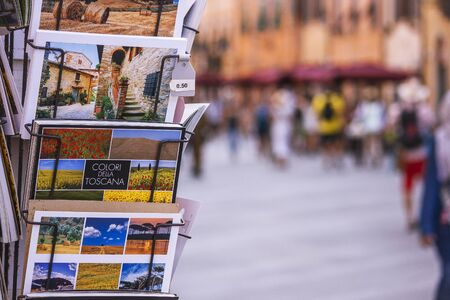 tourist postcards of Florence retailed