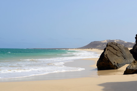 vista: Varandinha - Bracona beach in Boa Vista, Cape Verde