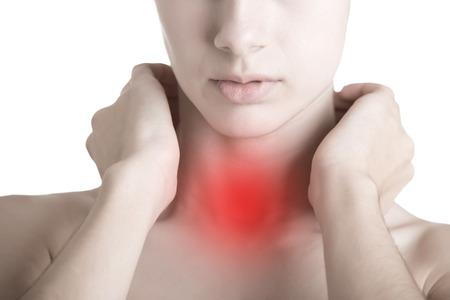Vrouw met een zere keel met haar nek Stockfoto
