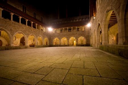 북쪽 나라의 기마랑이스, 포르투갈에서 Duques 드 브라 간카 궁전의 인테리어보기. 문화 2012 년 유럽 수도 스톡 콘텐츠 - 9890251