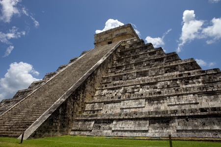Ancient Mayan pyramid, Kukulcan Temple at Chichen Itza, Yucatan, Mexico