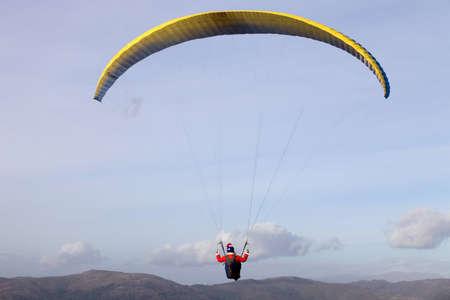parapendio: Paragliding Cross-country Portuguese League, in the north of Portugal, December 17, 2011, Caldelas, Portugal. Editorial