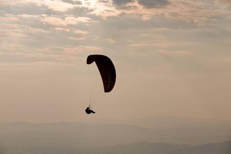 parapendio: CALDELAS, PORTUGAL - OCTOBER 16: Paragliding Cross-country Portuguese League, in the north of Portugal, 16 October, 2010, Caldelas, Portugal.