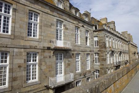 st malo: intra muros tipiche case st Malo, Bretagna, Francia Archivio Fotografico