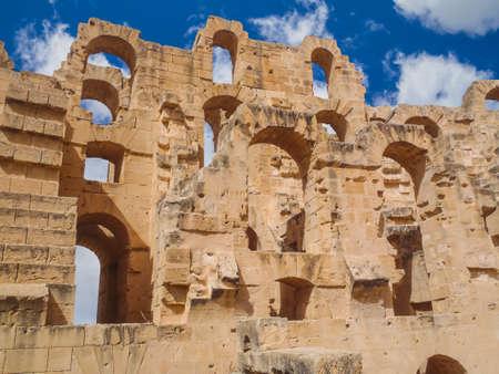 Ruins of the largest Roman coliseum in in North Africa. El Jem,Tunisia 新聞圖片