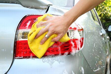 wash the tail light   car wash