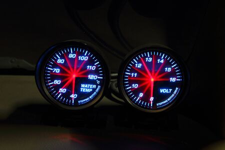 gauges: Water temp and volt Gauges in the car