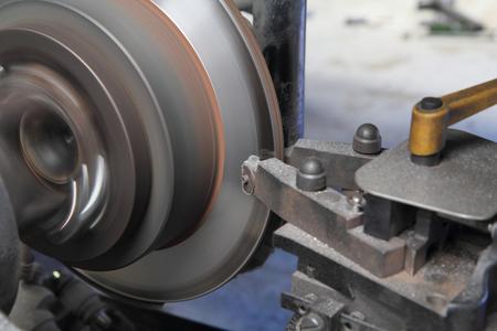 truck repair: rebuild disc brake surface