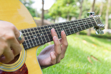 play harmonic sound from guitar