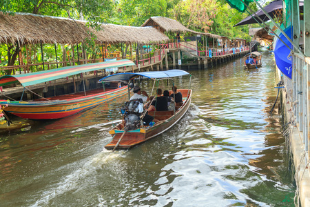 klong: Bangkok , Thailand - 2 July, 2017 : Talad Klong Lud Mayom floating market thailand Editorial