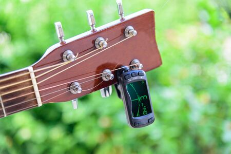 guitar tuners tool, tuning guitar strings notes 版權商用圖片