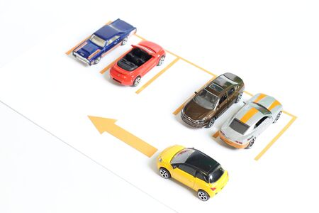 carritos de juguete: Los coches de juguete de aparcamiento