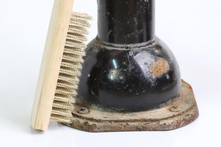 polished: Brushed steel, polished brass