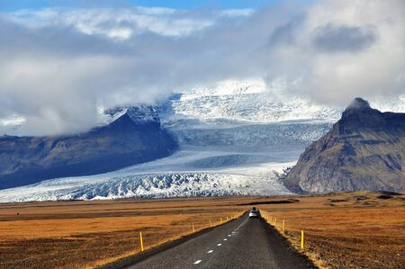 roadtrip: Roadtrip in Vatnajokull National Park, Iceland.