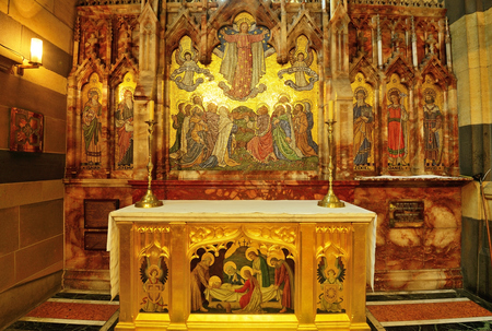 santa cena: MELBOURNE, AUSTRALIA - OCTOBER 25, 2015: Interior design of St. Pauls Cathedral, St. Pauls Cathedral is a cathedral church of the Anglican Diocese of Melbourne, Victoria in Australia. Editorial