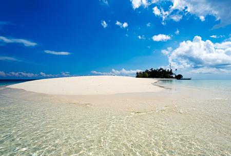 Sipidan 島と酒樽サカラン海洋公園、マレーシア ボルネオ島サバ州センポルナに位置する Sibuan 島の美しい景色。