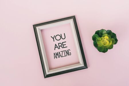 Motivational and inspirational quotes - You are amazing. Pink backgrounds Imagens