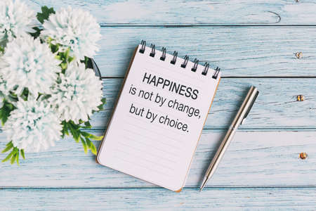 Motivational and Inspirational Quotes - Happiness is not by change but by choice. Retro style. Banque d'images
