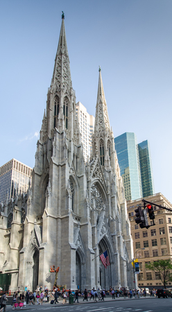 fifth avenue: NEW YORK, USA - JUNE 10, 2015: St. Patricks Cathedral - Manhattan, NYC