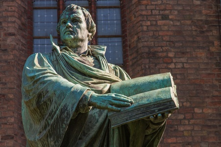 luther: Statue of the German church reformator Martin Luther